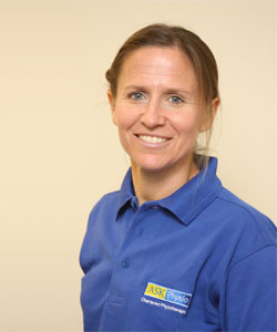 Nicki Combarro – Clinical Specialist Physiotherapist